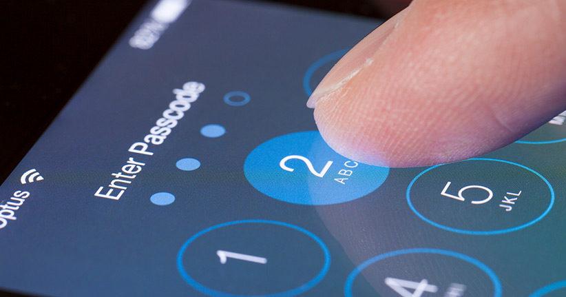 Was tun, wenn das Smartphone nach dem Passwort fragt?