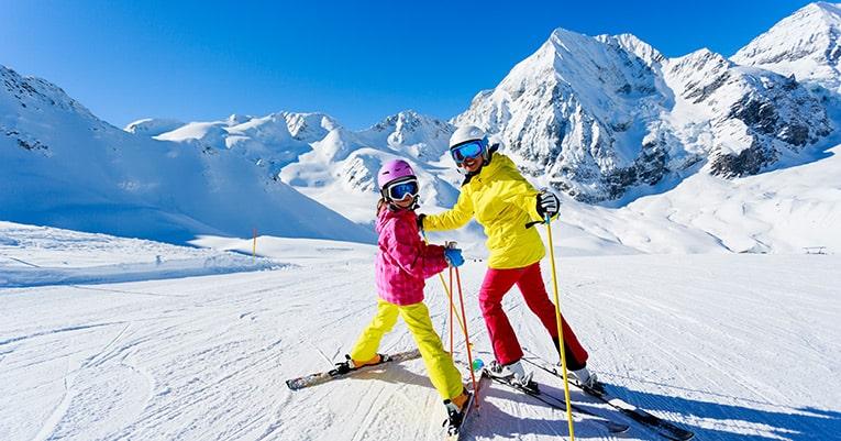 wie teuer ist ein skiurlaub mit der ganzen familie tixio. Black Bedroom Furniture Sets. Home Design Ideas