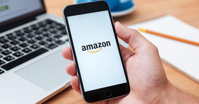 Amazon gegen Google – unter diesem Krieg leiden besonders die Kunden
