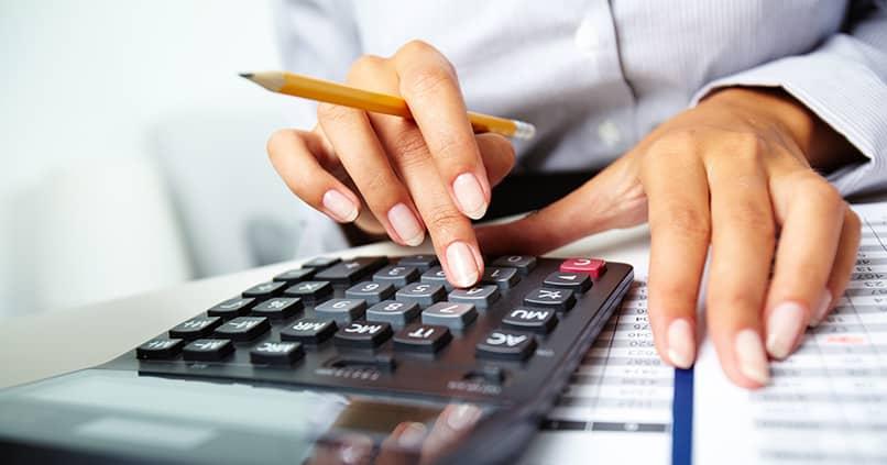 Die Buchhaltung selbst in die Hand nehmen – so klappt es