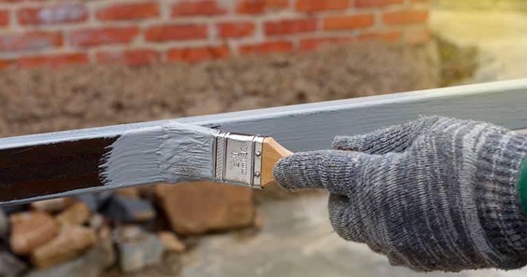 Vielseitiger Metallschutzlack zum Grundieren und Lackieren