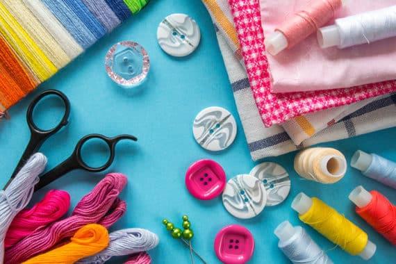 Mode selbst kreieren – dazu gehört das passende Nähzubehör