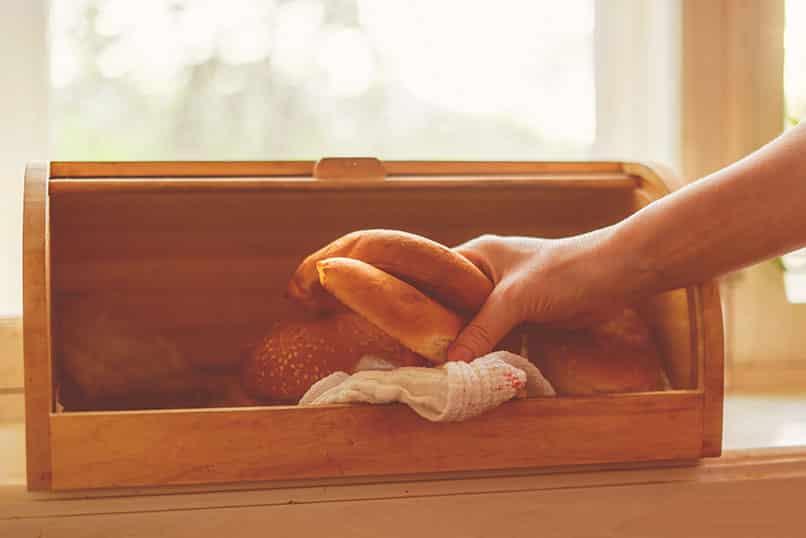 Welches Material für Brotkästen hält das Brot lange frisch?